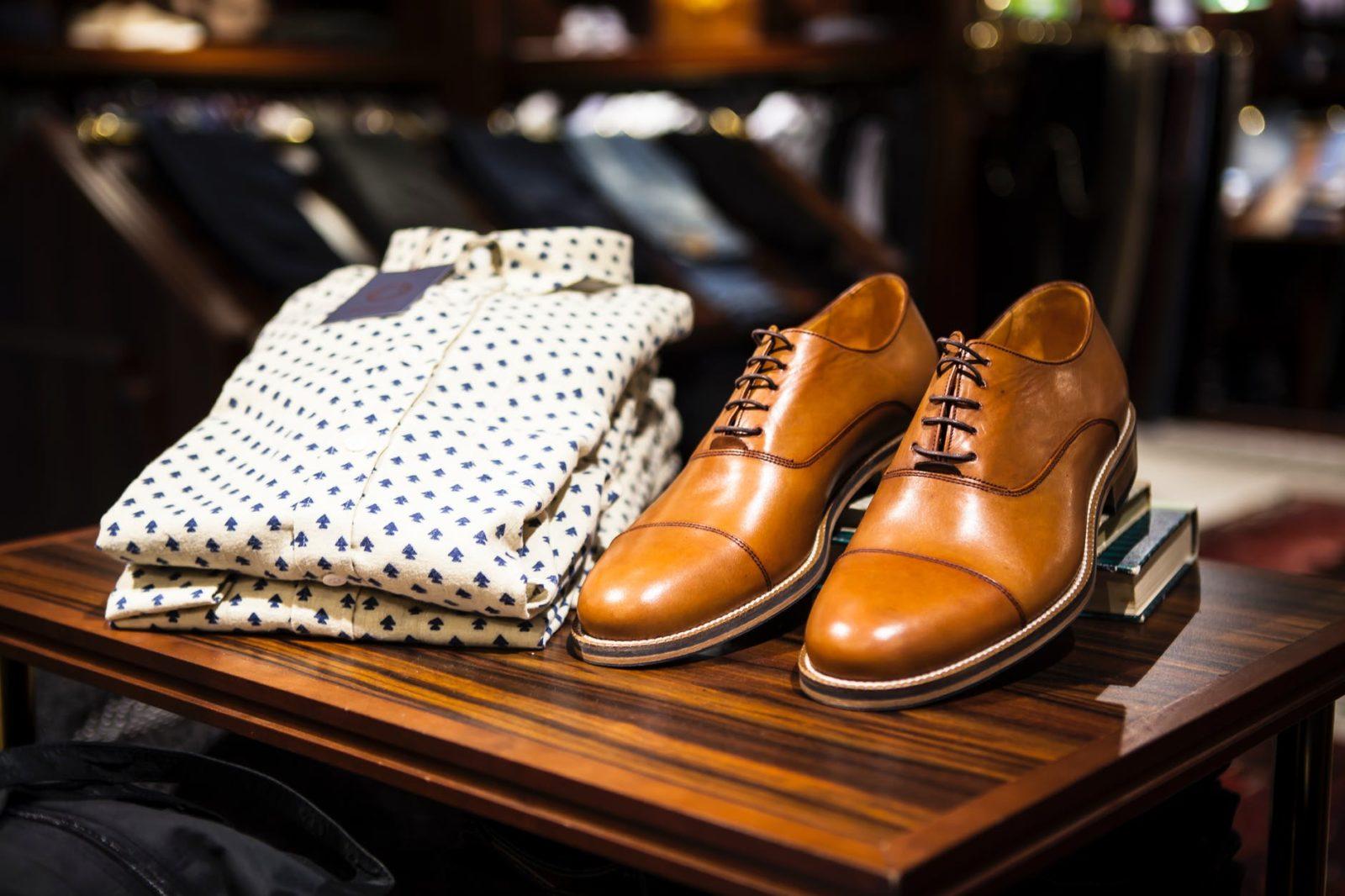 Lee más sobre el artículo 10 prendas masculinas como fondo de armario