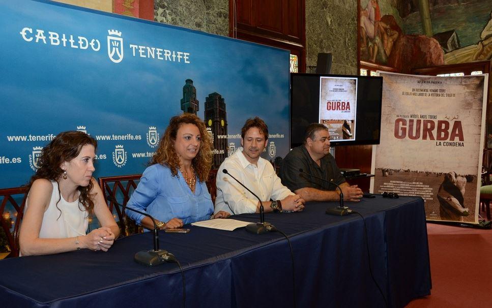 """Colaboración con Miguel Ángel Tobías en la proyección del film """"Gurba, la condena"""". Foto canaltenerifeTV"""