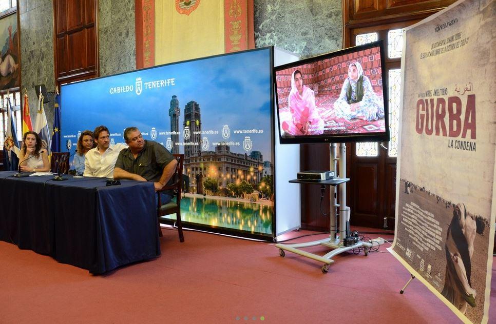"""Colaboración con Miguel Ángel Tobías en la proyección del film """"Gurba, la condena""""  Foto canaltenerifeTV"""